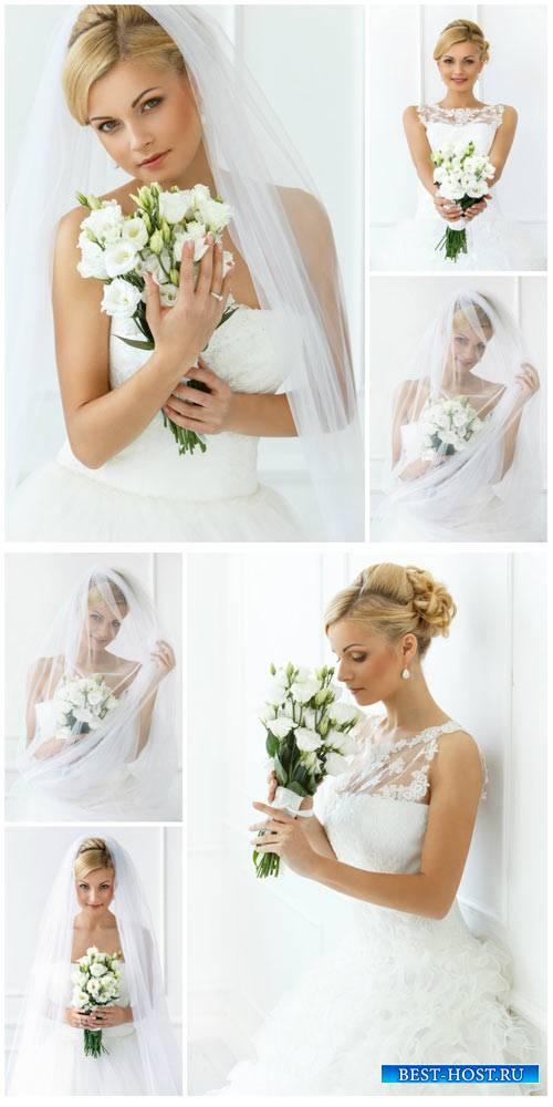 Невеста с букетом белых цветов / Bride with a bouquet of white flowers - St ...
