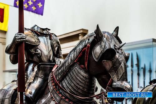 Шаблон для мужчин - Рыцарь в латах на коне