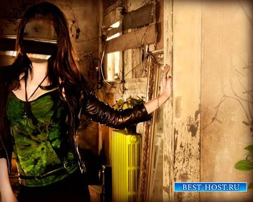 Psd шаблон - Девушка в заброшенном доме