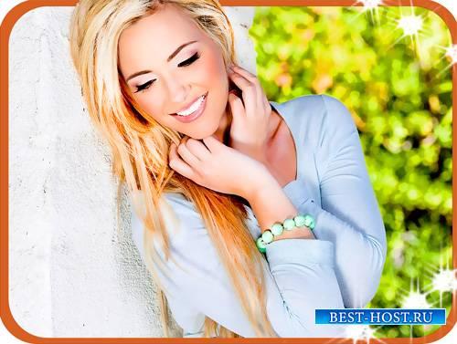 Шаблон для фотошопа - Блондинка у белой стены