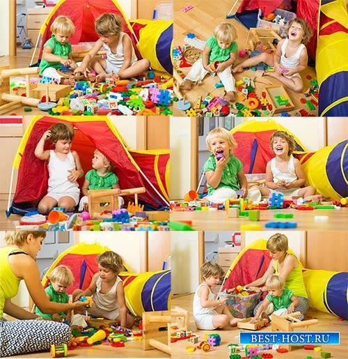 Клипарт - Дети играют / Clipart - Children playing