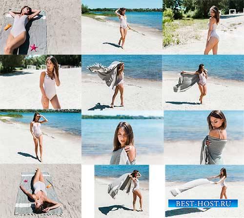 Девушка на пляже - Клипарт / Girl on the beach - Clipart