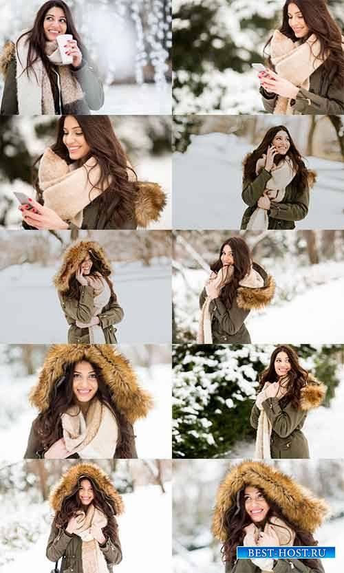 Симпатичная девушка в зимнем лесу - Клипарт / Nice girl in winter forest -  ...