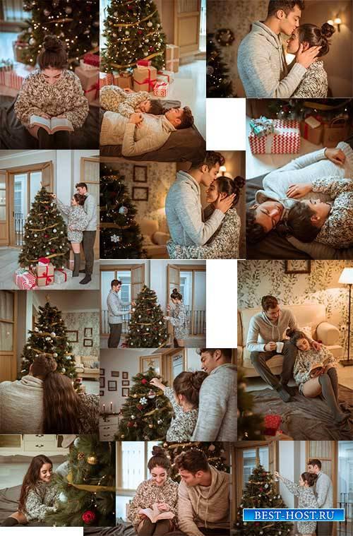 Влюблённая пара наряжает ёлку - Клипарт / Couple in love decorates Christma ...