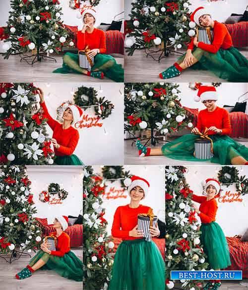 Девушка с подарками у ёлки - Клипарт / Girl with Christmas Tree Gifts - Fre ...