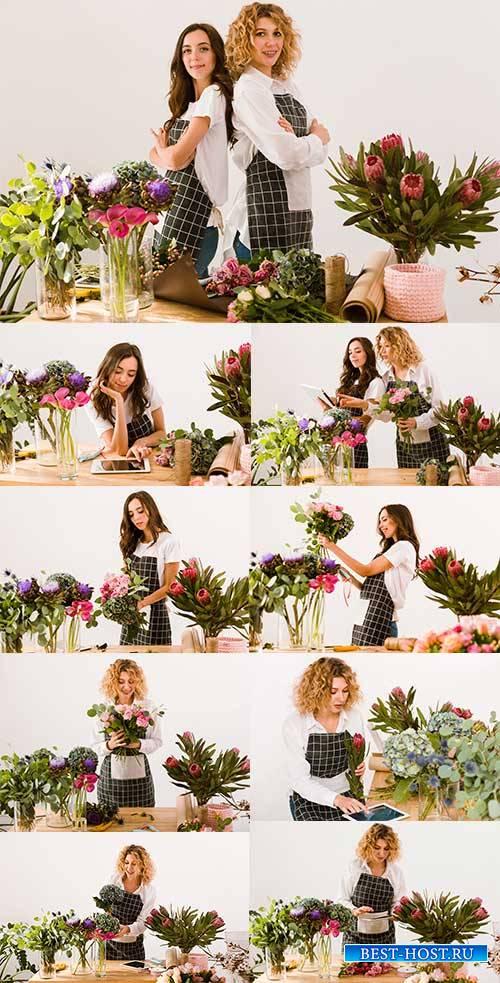 Девушка-флорист - Растровый клипарт